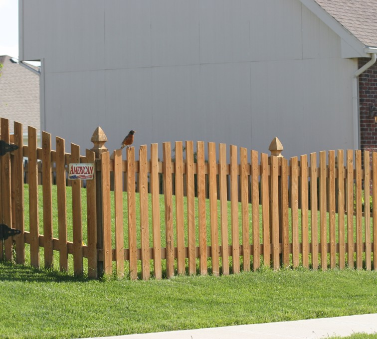 AFC Grand Island - Wood Fencing, 1001 4' overscallop picket