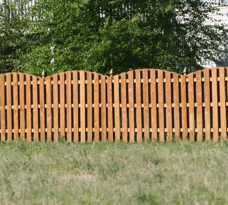 AFC Grand Island - Wood Fencing, 1013 6' overscallop board on board stained