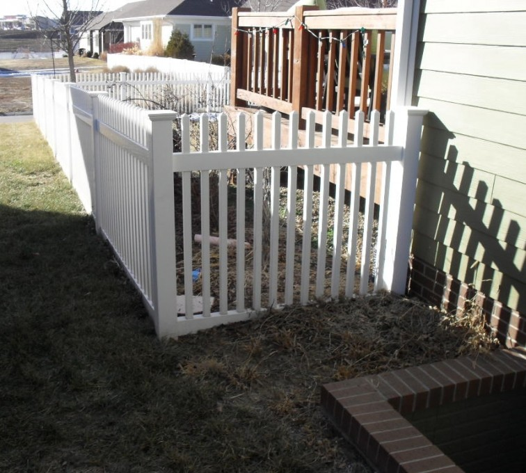 AFC Grand Island - Vinyl Fencing, 4' Picket PVC