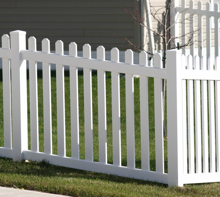 AFC Grand Island - Vinyl Fencing, 558 Vinyl 4' picket