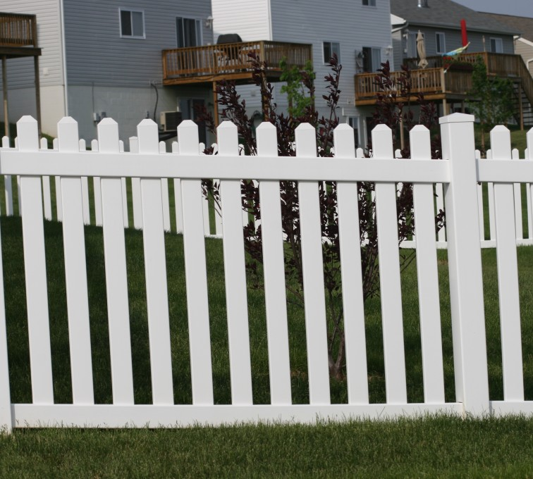 AFC Grand Island - Vinyl Fencing, 4' Picket 564