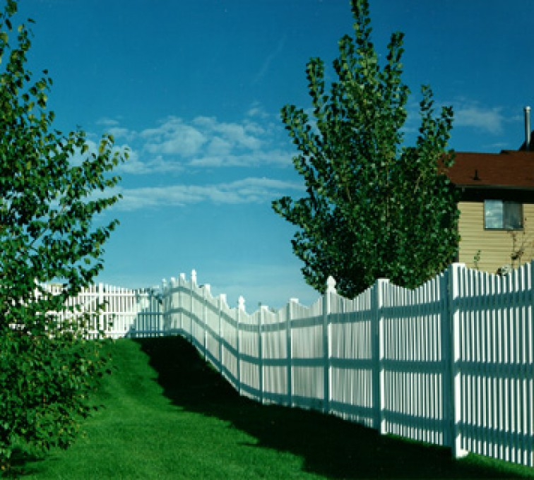 AFC Grand Island - Vinyl Fencing, Underscallop Picket 565