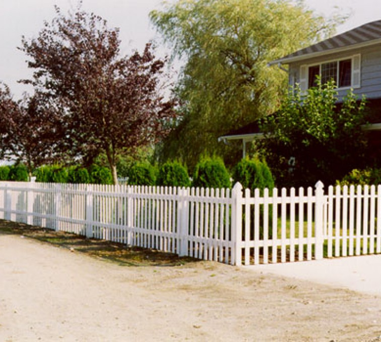 AFC Grand Island - Vinyl Fencing, Straight Picket 1 568