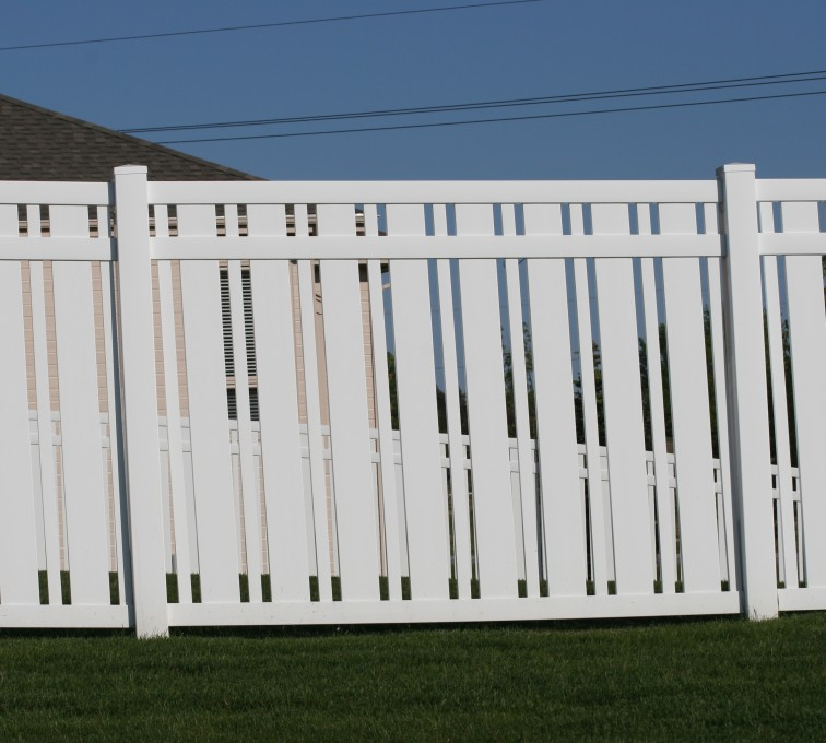 AFC Grand Island - Vinyl Fencing, 6' Alternating Picket 572