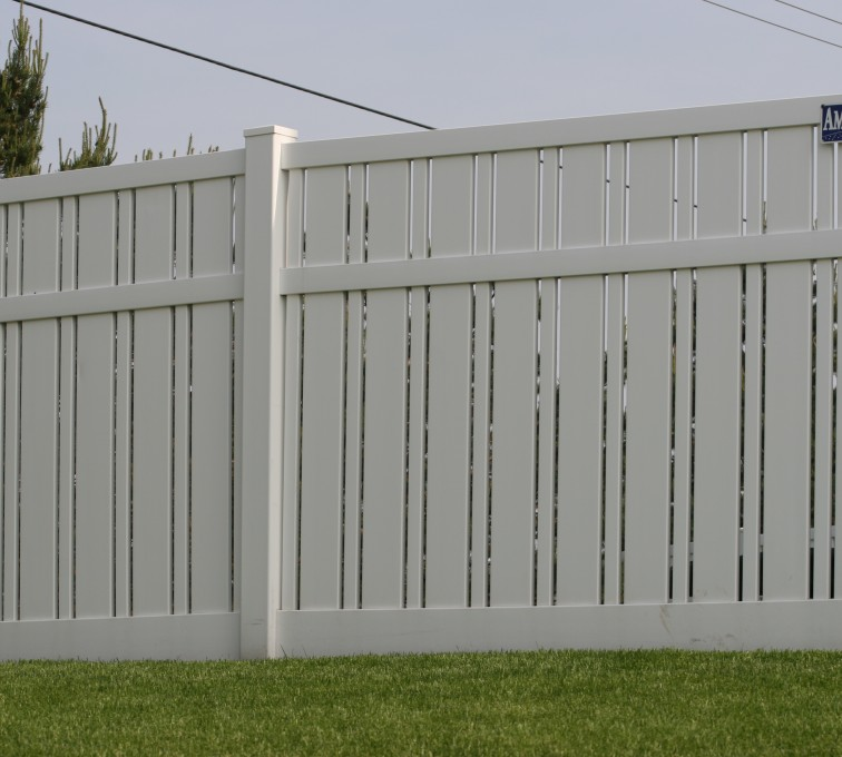 AFC Grand Island - Vinyl Fencing, 6' Alternating Picket 577
