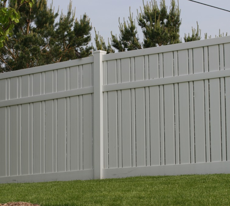 AFC Grand Island - Vinyl Fencing, 6' Alternating Picket 578
