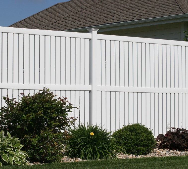 AFC Grand Island - Vinyl Fencing, 6' alternating picket 570