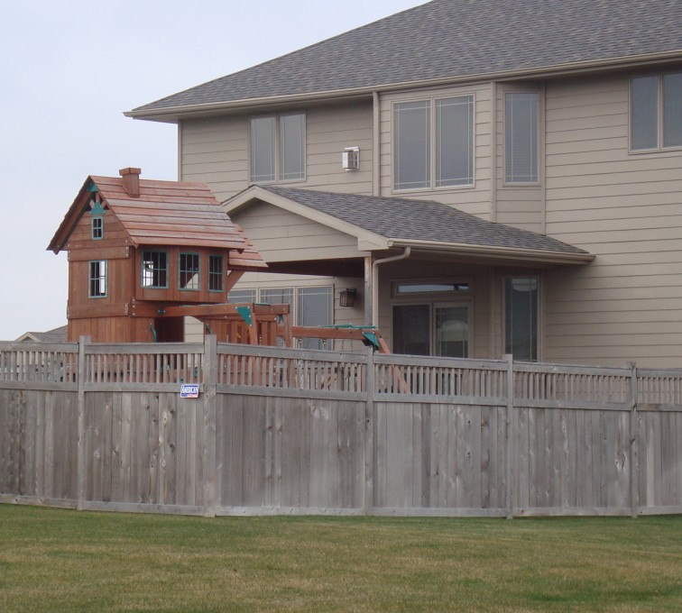 AFC Grand Island - Wood Fencing, Cedar Privacy with Picket Accent AFC, SD