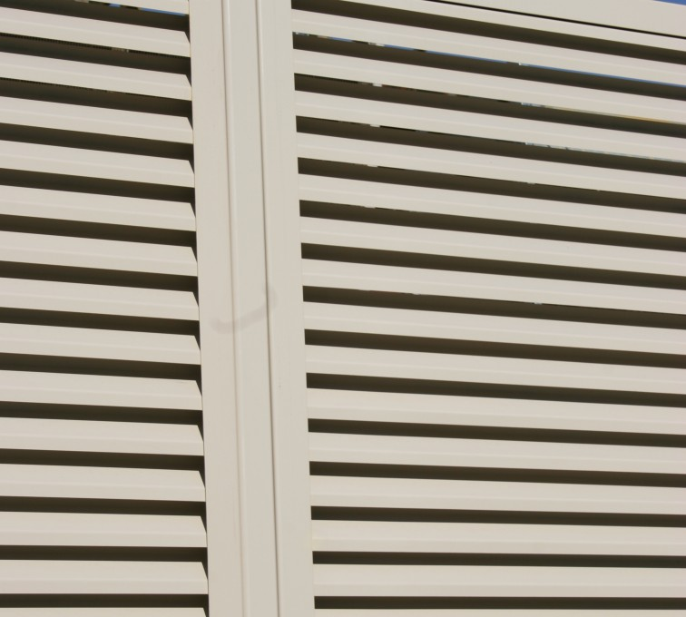 AFC Grand Island - Louvered Fence Systems Fencing, Louvered Fence Post