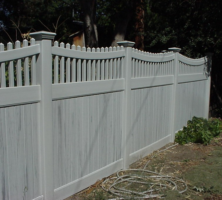 AFC Grand Island - Vinyl Fencing, Privacy with Sloped Rail Picket Accent 703