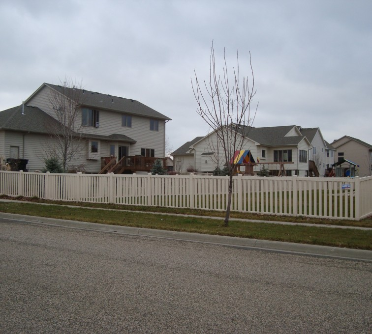 AFC Grand Island - Vinyl Fencing, Tan Vinyl Closed Picket AFC, SD