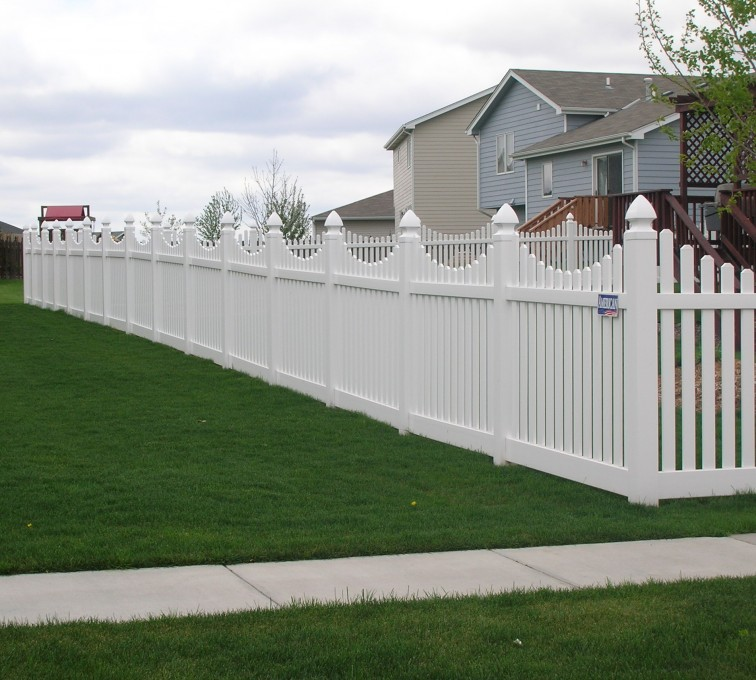 AFC Grand Island - Vinyl Fencing, Underscalloped picket pvc