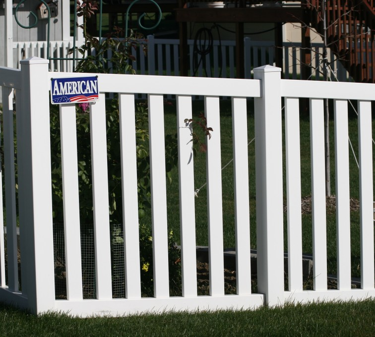 AFC Grand Island - Vinyl Fencing, 4' closed rail picket 585