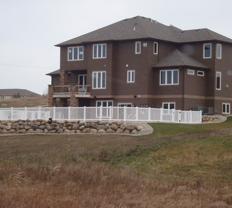 AFC Grand Island - Vinyl Fencing, White Closed Picket AFC, SD